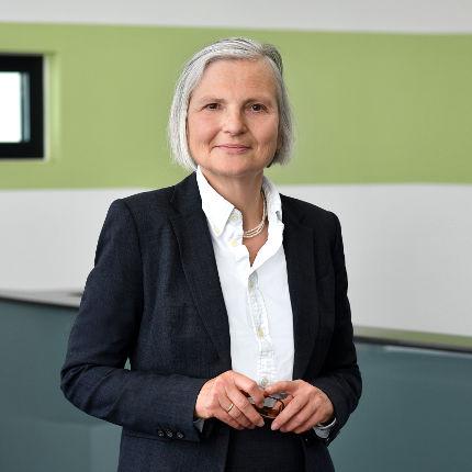 Portät Rechtsanwältin Dr. Katharina Ernst
